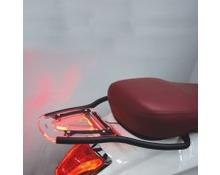 Portapacchi posteriore Vespa sprint 2014-Vespa Primavera 50-125-150 2013  con Led rosso